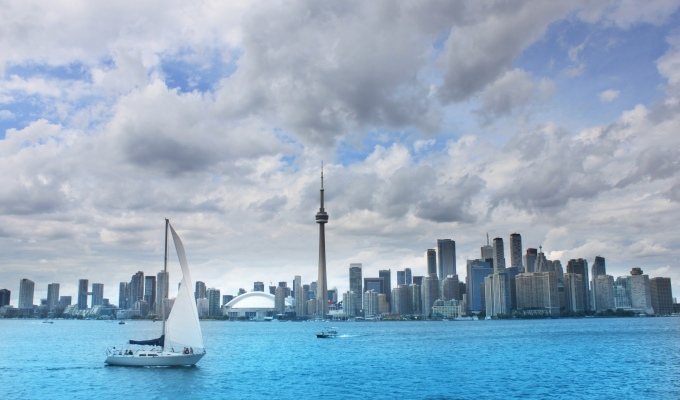How To Spend A Day In Toronto – From City-Scape Views To Toothsome Food